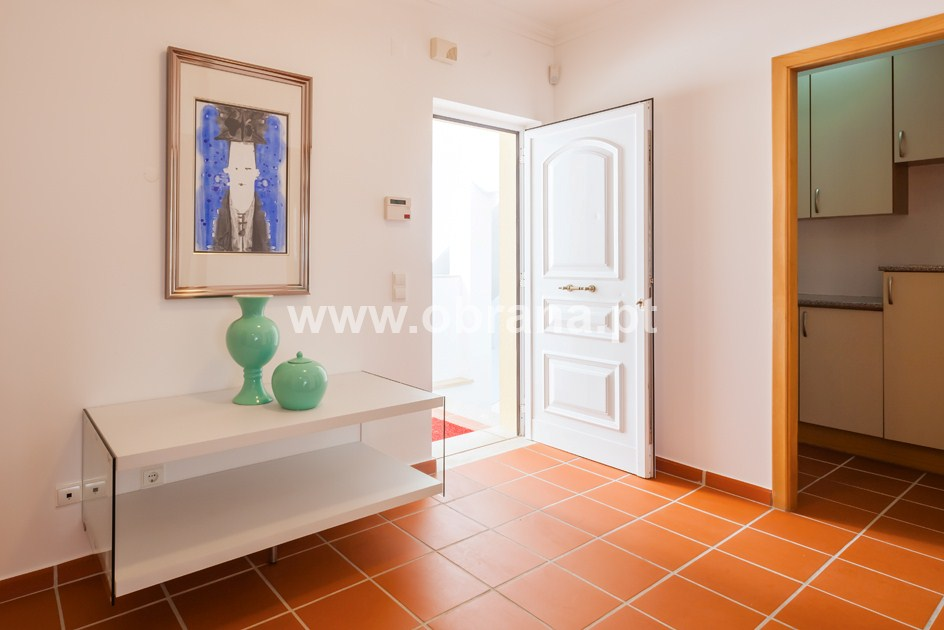 2 Bed Pool Apartment